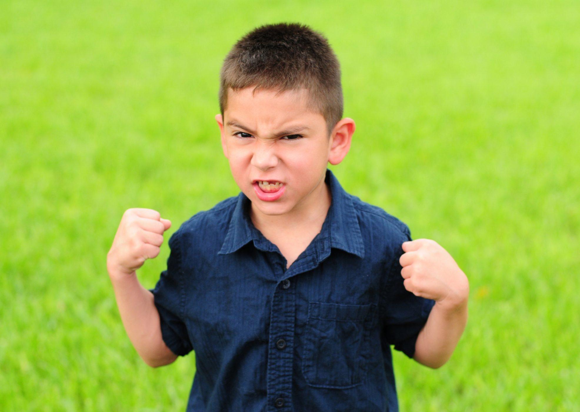 kind 7 jaar Hoe kan ik omgaan met de woedeaanvallen van mijn kind van 7, 8 of  kind 7 jaar