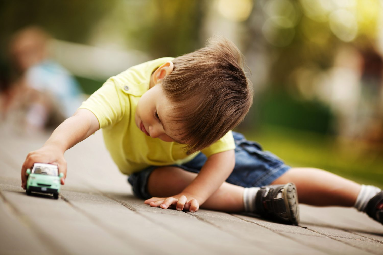 Kind /kleuter Speelt Zelfstandig Zelf