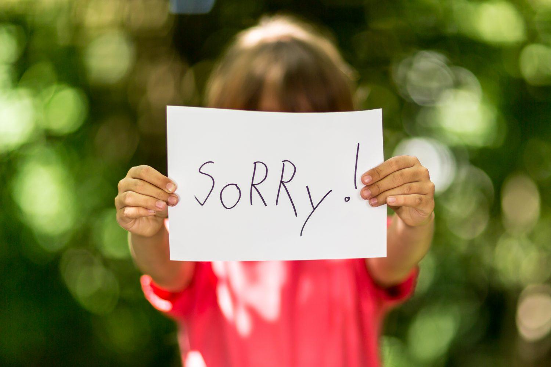Meisje Zegt Sorry – Laat Je Je Kind Sorry Zeggen?