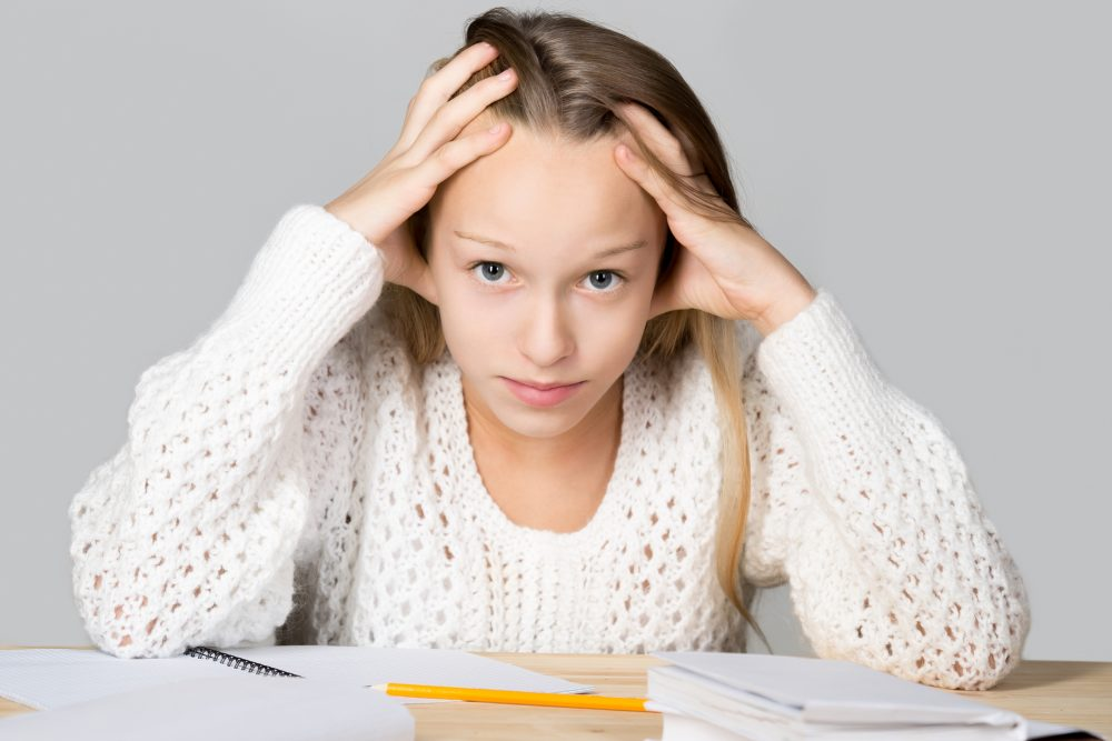 Prestatie druk en stress schoolmeisje kind
